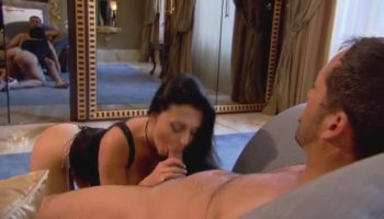 Masturbation and fuck hole stretch with ripe brunette